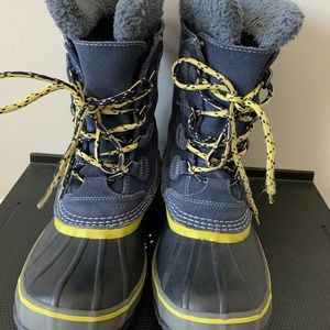 Kids LL Bean Snow Boots Size 4 insulated
